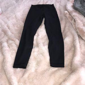 Black 7/8 lululemon leggings